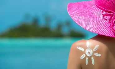 7 Natural Ways to Stay Beautiful in the Summer
