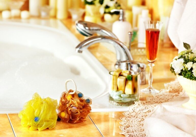 9 Do-It-Yourself Home Spa Tips