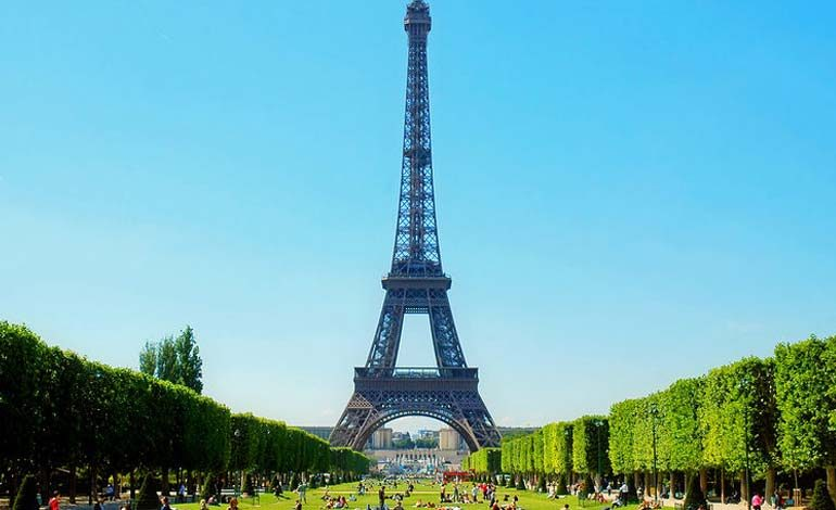 Paris, France – How We Can Give Back